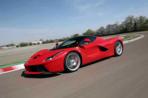 8Ferrari-La-Ferrari