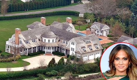 Jennifer-Lopez-bought-her-house-in-the-Hamptons